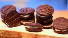 U nás na kopečku: ... domácí Oreo sušenky ... Brownie Cookies, Oreos, Christmas Cookies, Muffins, Food And Drink, Cupcakes, Yummy Food, Sweets, Chocolate