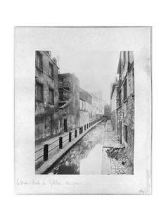 Giclee Print: The Bievre, Ruelle des Gobelins Art Print by Eugene Atget by Eugene Atget : 24x18in