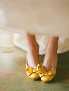 yellow wedding heels (via 7 Wedding Shoe Rules via EmmalineBride.com)