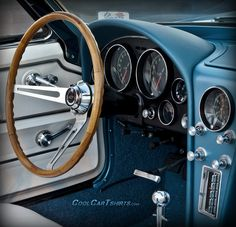 best Corvette interior ever. Corvette C2, Classic Corvette, Chevrolet Corvette, Pontiac Gto, Interior Design Courses Online, Car Interior Design, Interior Ideas, Yacht Interior, Us Cars