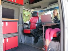45 Best Sprinter Van Conversion Ideas With Low Budget - Smart Home and Camper Sprinter Van Conversion, Camper Van Conversion Diy, Sprinter Camper, Mercedes Sprinter, Kombi Motorhome, Vw Vanagon, T2 T3, Kombi Home, Van Dwelling