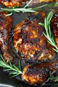 Fig and Rosemary Glazed Skillet Chicken - Cast Iron Skillet Chicken Chicken And Figs Recipe, Paleo Chicken Recipes, Rosemary Chicken, Veggie Recipes, Healthy Recipes, Veggie Food, Yummy Recipes, Healthy Food, Chicken Cast Iron Skillet