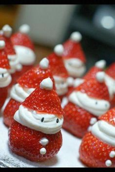 Santa Strawberries -- Docinho de Natal