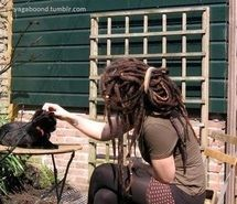Inspiring picture rasta, girl, cat, beauty. Resolution: 400x289 px. Find the picture to your taste!