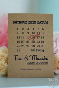 Save the date kaart - Maand Wedding Prep, Wedding Save The Dates, Save The Date Cards, Wedding Tips, Wedding Bells, Wedding Cards, Diy Wedding, Rustic Wedding, Wedding Planning