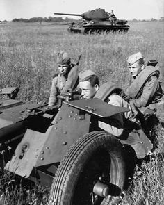 1944: Red Army 45mm gun and a T-34/85 in the background. [Source Twitter: @ussr_tanks_bot] #war #history #vintage #retro #guns #gun #ww2 #40s #tank #tanks #1940s #military #battle #warrior #warriors #combat #campaign #battles #wwii #worldwartwo