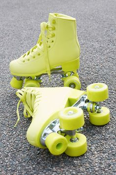 Impala Rollerskates Volt Green Quad Roller Skates - assorted UK 5 at Urban Outfitters Retro Roller Skates, Roller Skate Shoes, Quad Roller Skates, Roller Derby, Roller Skating, Cute Shoes, Me Too Shoes, Urban Outfitters, E Skate