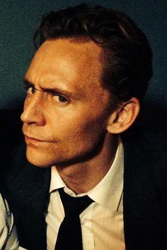 Tom Hiddleston as Dr Laing on the set of High-Rise. Full size image: http://i.imgbox.com/zv5zc3hR.jpg Source: Torrilla