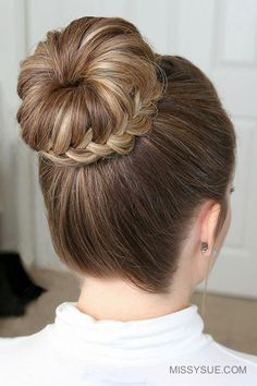 For today's tutorial I'm excited to be sharing this French & Lace Fishtail High Bun I recently poste Graduation Hairstyles, Dance Hairstyles, Bun Hairstyles For Long Hair, Chic Hairstyles, Trending Hairstyles, Braided Hairstyles, High Bun Wedding, Fancy Braids, Prom Hair