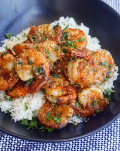 prawns cooked in a garlicky buttery sauce, this Hawaiian Garlic Shrimp is just like the shrimp trucks you'd find in Hawaii.Juicy prawns cooked in a garlicky buttery sauce, this Hawaiian Garlic Shrimp is just like the shrimp trucks you'd find in Hawaii. Shrimp Recipes For Dinner, Healthy Dinner Recipes, Cooking Recipes, Garlic Shrimp Recipes, Easy Recipes, Healthy Shrimp Recipes, Cooking Games, Shrimp And Rice Recipes, Garlic Prawns