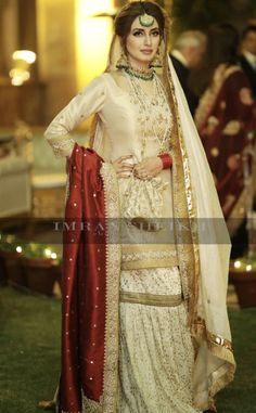 36 New ideas party makeup pakistani wedding bride Asian Wedding Dress Pakistani, Pakistani Fashion Casual, Pakistani Dress Design, Pakistani Dresses, Indian Bridal, Indian Dresses, Bridal Mehndi Dresses, Nikkah Dress, Shadi Dresses
