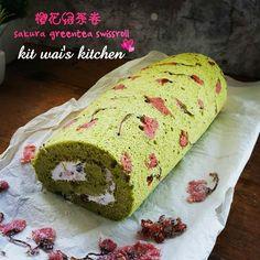Kit Wai's kitchen : 樱花绿茶瑞士卷 ~ Sakura Green Tea Swiss Roll