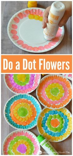 Young kids will have fun welcoming spring with this do a dot flower craft while strengthening fine motor skills and hand eye coordination.