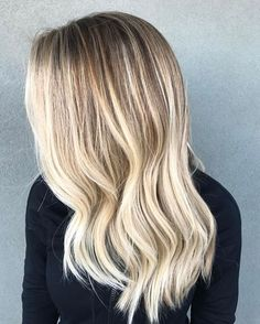 @kyyy.k wanted blonde, my favorite words. So blonde is what she got #hairbyashleighnichols #manetherapy #hairbrained #crafthairdressers #stylistshopconnect #amerciansalon #modernsalon #stylistsupportingstylist #arizonasalonprofessionals #behindthechair #unitehair #olaplex #hairstylist #hairoftheday #btcpics #scottsdale #citiesbesthairartists #maneinterst #imallaboutdahair #mastersofbalayage