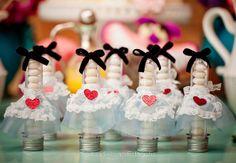 ᐅ 40 lindas ideias para fazer uma festa alice no país das maravilhas!
