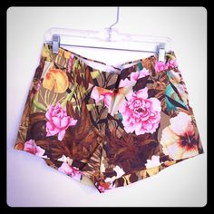 Floral J. Crew shorts These brand new with tags floral shirts are waiting to jump in your suitcase and be worn on your vacation in Costa Rica! J. Crew Shorts