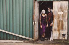 Als stel naar een #Halloween feest kan prima met bij elkaar passende kostuums. Dit zijn een landheer en een landvrouw met grijze Skull schmink. Door het gebruik van schmink maak je de Halloween outfit af. Stel, Outfits, Dresses, Fashion, Clothes, Vestidos, Moda, Suits, Gowns