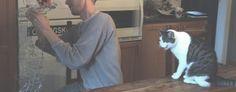 Jonas 2 / 3 ------ Efter ett krävande metalltrådsarbete så fyller jag vår lille herre med papper. ======== After a taxing work with the metal wires I'm filling our little master with paper.   ======== Samus sejdar och ingjuter kraft i vår lilla golem
