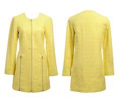 Abrigo cremallera colección Vila en amarillo