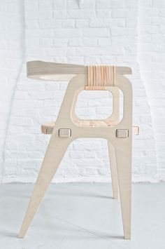 Furniture by Studio Klaer---The Bind Chair by Jessy Van Durme Plywood Furniture, Modern Furniture, Home Furniture, Furniture Design, Cheap Furniture, Furniture Outlet, Scandinavian Design Furniture, Furniture Stores, Asian Furniture