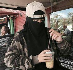 Hijab Niqab, Muslim Hijab, Mode Hijab, Hijab Outfit, Muslim Girls, Muslim Couples, Muslim Women, Niqab Fashion, Muslim Fashion