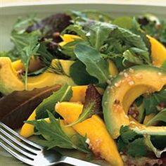FACILÍSIMA -  Gajos de mango, de palta (aguacate) y hojas de rúcula ... aderezo a gusto y a saborear !!!