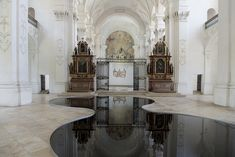 New Readings Of Space: Placing Pools Of Oil Inside A Baroque Abbey Church