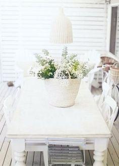 Florero en cesta