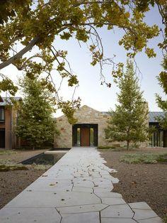 ASLA 2013 Honor Award: Woodside Residence by Lutsko Associates contemporary exterior Outdoor Paving, Garden Paving, Garden Paths, Flagstone Pavers, Modern Landscaping, Garden Landscaping, Landscape Architecture, Landscape Design, Residential Architecture