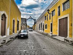 IZAMAL YUCATAN MEXICO - ALSO CALLED THE YELLOW CITY BECAUSE ALL THE HOUSES AND PUBLIC BUILDINGS ARE PAINTED YELLOW - IT IS CONSIDERED ONE OF MEXICO'S MAGICAL TOWNS