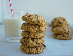 Healthy oatmeal raisin cookies recipe, chewy and puffy studded with oats, raisins and flax for extra fibre and omega 3. Keep the flavor and loose the fat.