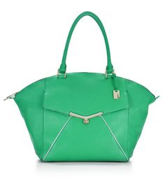 Want a tote that does it all? Shop our designer leather tote bags made from imported leather for an everyday look that never goes out of style. Chloe Handbags, Handbags On Sale, Handbags Michael Kors, Tote Handbags, Leather Handbags, Spring Bags, Wholesale Handbags, Louis Vuitton Wallet, Bag Making