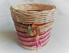 Pedigmania / Stojan na ceruzky, perá.... Wicker Baskets, Home Decor, Homemade Home Decor, Decoration Home, Woven Baskets, Interior Decorating