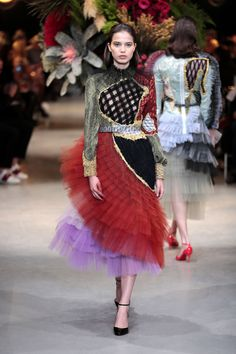 The Best Looks From Spring Couture Week Weird Fashion, Love Fashion, Runway Fashion, Spring Fashion, Fashion Show, Fashion Outfits, Womens Fashion, Fashion Design, Fashion Trends