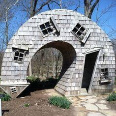 """AAAAAHAHAHA I don't """"love"""" many pins, but when I do, it's this freaking lopsided house that I LOVE. #whimsicaloverload"""