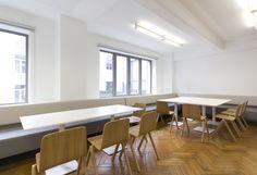 Belga News Agency - Kinnarps - T-Dining bank - Centre tafel