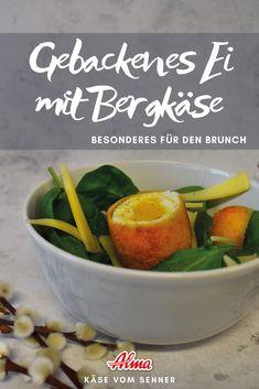 Rührei, weich gekochtes Ei oder ein gebackenes Ei? Probiert doch mal was Neues - ein Gebackenes Hühnerei mit Käse und Spinatsalat. Schmeckt garantiert! Cheesy Eggs, Brunch Ideas