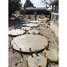 DIY circle concrete pavers