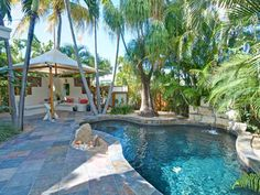 Key West home! My baby and I are gonna move here when the kiddos r all gone to college! Backyard Pool Landscaping, Backyard Retreat, Florida Landscaping, Outdoor Living, Outdoor Spaces, Indoor Outdoor, Florida Pool, Florida Keys, Florida Vacation