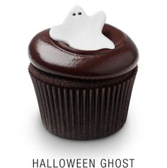 Halloween Ghost from Georgetown Cupcakes Mocha Cupcakes, Banana Cupcakes, Easter Cupcakes, Christmas Cupcakes, Fun Cupcakes, Amazing Cupcakes, Gourmet Cupcakes, Strawberry Cupcakes, Velvet Cupcakes