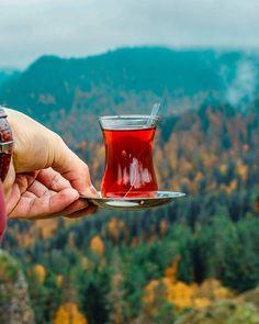 Turkish tea~~ Yedigoller National Park, Bolu, Turkey - Photo by Ömer Erul ( Japanese Green Tea Matcha, Matcha Green Tea, Red Tea Benefits, Pink Wall Clocks, Cute Texts For Him, Tea Quotes, Turkish Tea, Autumn Coffee, Breakfast Tea