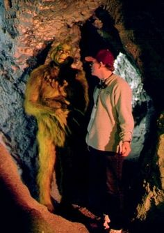 Jim Carrey and Ron Howard in the cave set (photo credit: Ron Batzdorf)