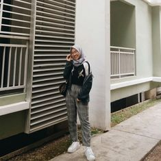 hijab inspiration for teenager Hijab Casual, Hijab Outfit, Hijab Fashion, Poses, Mirror, Inspiration, Outfits, Style, Figure Poses