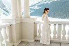 LAke_Louise_winter_bride | Photo by Darren Roberts Photography | Dress by Frocks Calgary | Hair by Mountain Beauties | MUA by Canmore + Banff Makeup Artistry