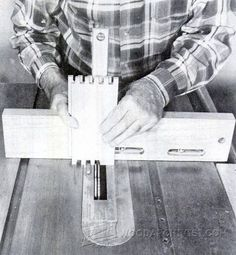 2982-Table Saw Box Joint Jig Plans Box Joint Jig, Box Joints, Woodworking Furniture Plans, Woodworking Projects, Woodworking Techniques, Table Saw Sled, Bandsaw Box, Diy Sofa, Finger Joint