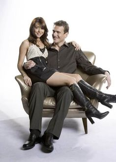 Photos - How I Met Your Mother - Season 2 - Cast Promotional Photos - Lily Aldrin & Marshall Erickson Best Tv Couples, Tv Show Couples, Movie Couples, Best Couple, Cute Couples, Lily Aldrin, Marshall And Lily, Himym, How I Met Your Mother