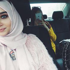 Muslim Women Fashion, Arab Fashion, Islamic Fashion, Womens Fashion, Hijabi Girl, Girl Hijab, Hijab Outfit, Hijab Collection, Muslim Girls