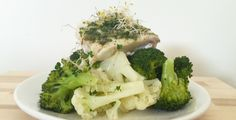 Gestoomde vis en groenten met kiemen & info over stomen