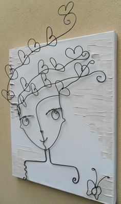 Maybe something similar for cord concealment? Wire Crafts, Diy And Crafts, Arts And Crafts, Art Fil, Wire Wall Art, Wire Art Sculpture, Scrap Metal Art, Beads And Wire, Wire Work