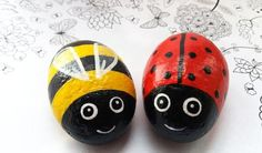 Rock Painting Ideas Discover Hand Painted Ladybug and Bee Stones Art Rocks Set of 2 stones Garden Stone Decor Thumb Stone Stone Keepsake Yard Art Cute love Bug Lady Bug Painted Rocks, Painted Rocks Craft, Hand Painted Rocks, Rock Painting Patterns, Rock Painting Ideas Easy, Rock Painting Designs, Pebble Painting, Pebble Art, Stone Painting